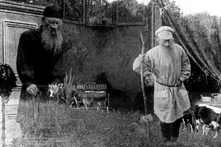 "Кадр из фильма ""Уход великого старца"", реж. Яков Протазанов"
