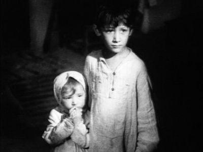 """Кадр из фильма """"Радуга"""", реж. Марк Донской"""