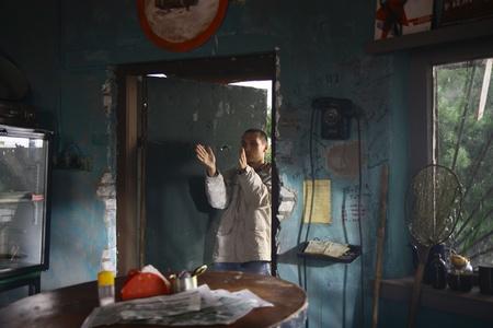"Кадр из фильма ""Вдребезги"", реж. Роман Каримов"