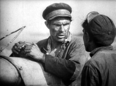 """Кадр из фильма """"Земля"""", реж. Александр Довженко"""