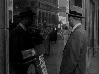 "Кадр из фильма ""Налет на Саут-стрит"", реж. Сэмюэл Фуллер"